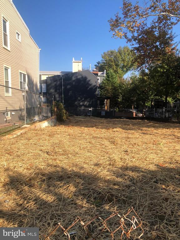 Vacant lot - seeded and stabilized. Ready to build - 5401 8TH ST NW, WASHINGTON