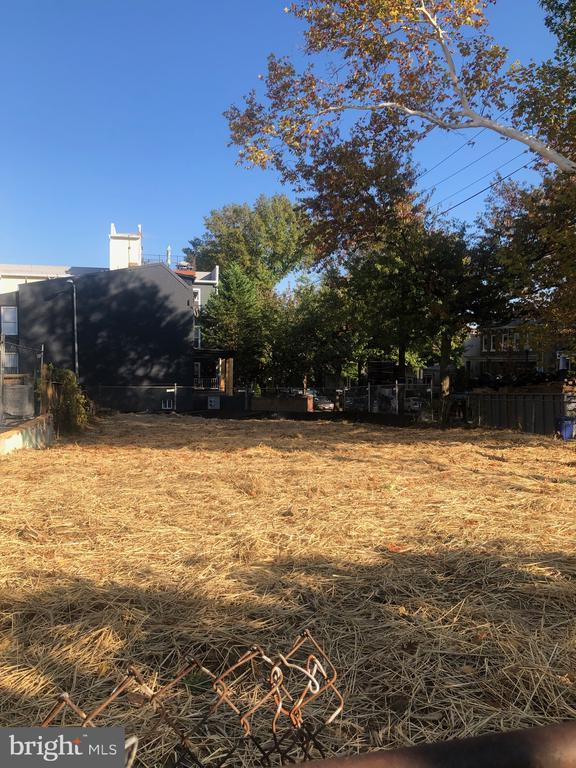 Fantastic corner lot - with permits for 2 condos - 5401 8TH ST NW, WASHINGTON