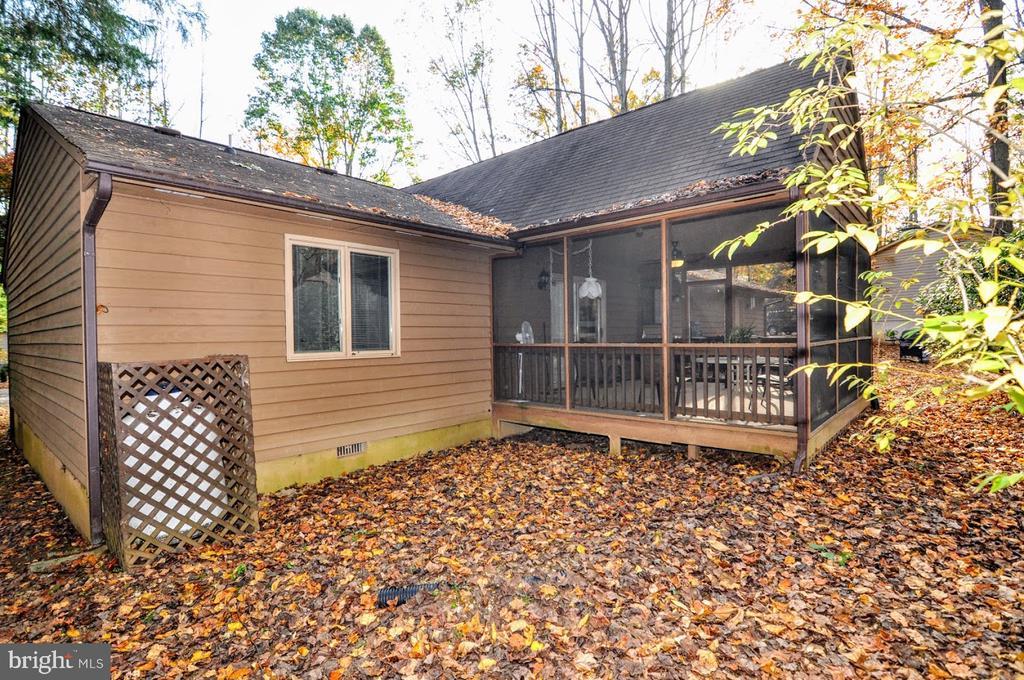 Backyard/Screen Porch 1 - 400 STRATFORD CIR, LOCUST GROVE
