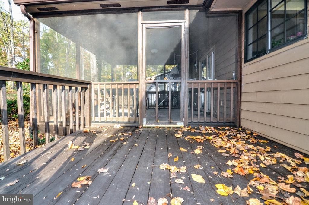 Deck/Screen Porch - 400 STRATFORD CIR, LOCUST GROVE