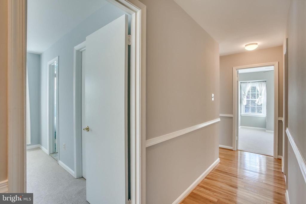 UpstaIrs hallway w/ Hard Wood Floors - 4335 SILAS HUTCHINSON DR, CHANTILLY