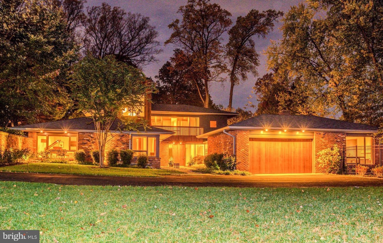 Single Family Homes voor Verkoop op Arlington, Virginia 22207 Verenigde Staten
