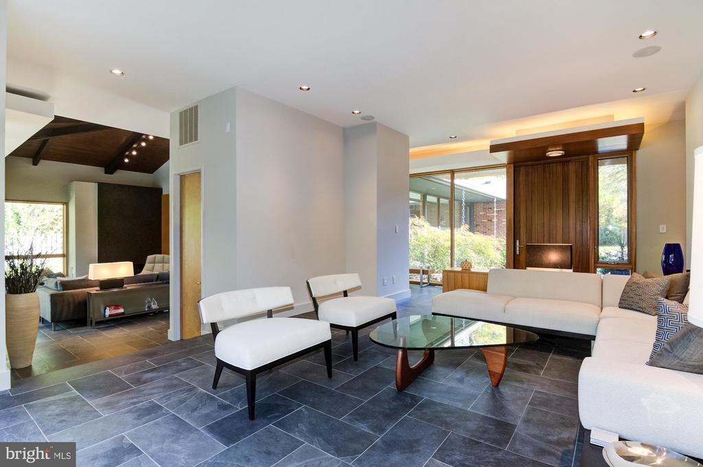 Living Room off Foyer - 4611 36TH ST N, ARLINGTON