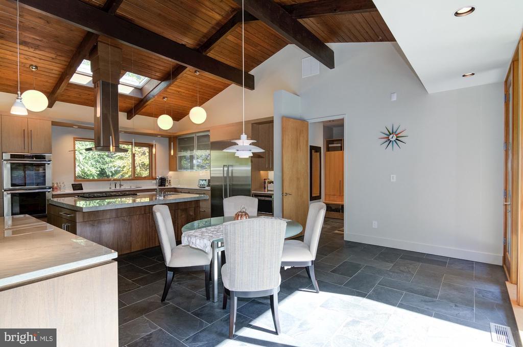 Light-filled Breakfast Room - 4611 36TH ST N, ARLINGTON