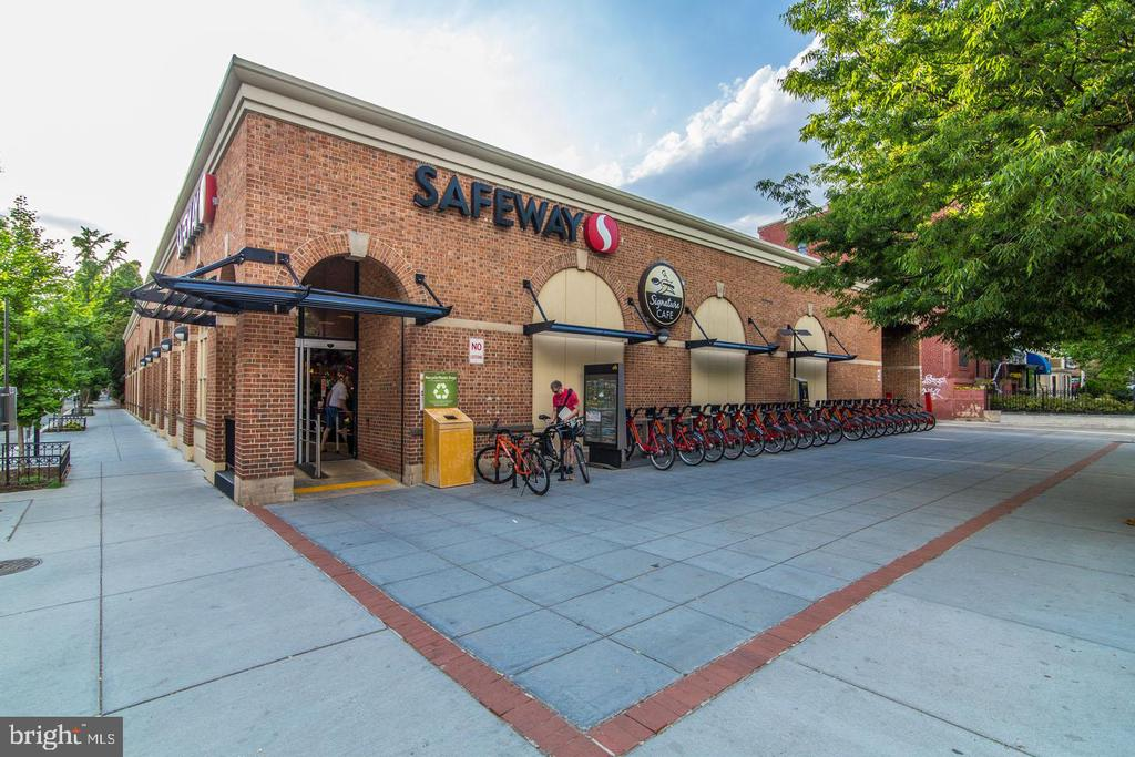 Walk to Safeway - 1755 18TH ST NW, WASHINGTON