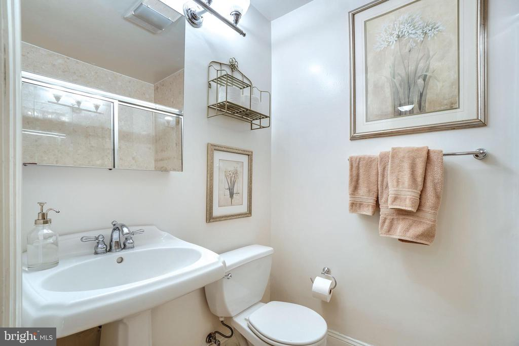 A full bathroom off the family room - 1755 18TH ST NW, WASHINGTON