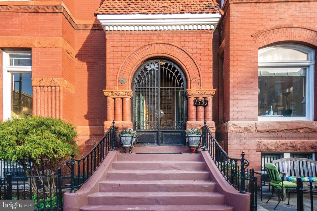 Gorgeous front entry with wrought iron - 1755 18TH ST NW, WASHINGTON