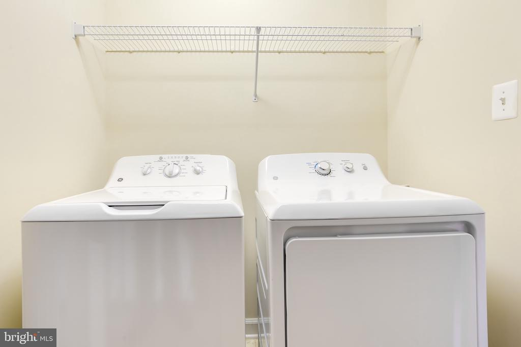 Full Size Laundry - 1603 LEEDS CASTLE DR, VIENNA