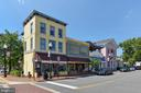 Shops, eateries, bakeries and more - 916 MONROE ST, HERNDON