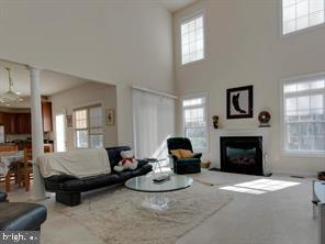 Family Room - 4423 CARRICO DR, ANNANDALE