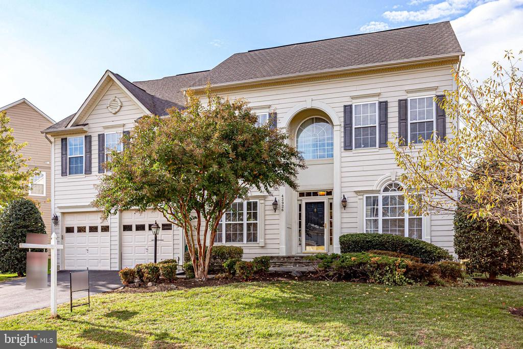 - 42926 CLOVERLEAF CT, BROADLANDS