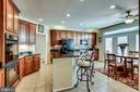 Large open kitchen - 42926 CLOVERLEAF CT, BROADLANDS