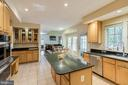 Eat-in kitchen with butlers pantry - 13171 RETTEW DR, MANASSAS