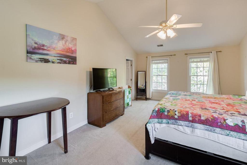 Light-filled master bedroom - 13171 RETTEW DR, MANASSAS