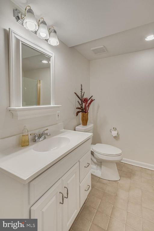 Full basement bathroom - 13171 RETTEW DR, MANASSAS