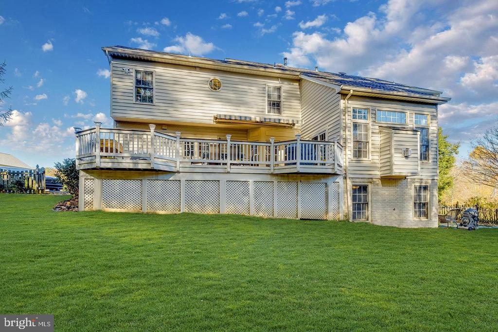 Over 5,000 sf of the perfect home - 13171 RETTEW DR, MANASSAS