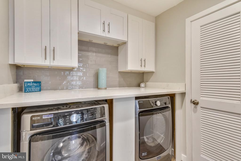 Custom built Laundry Room with Quartz Counters - 1034 N RANDOLPH ST, ARLINGTON