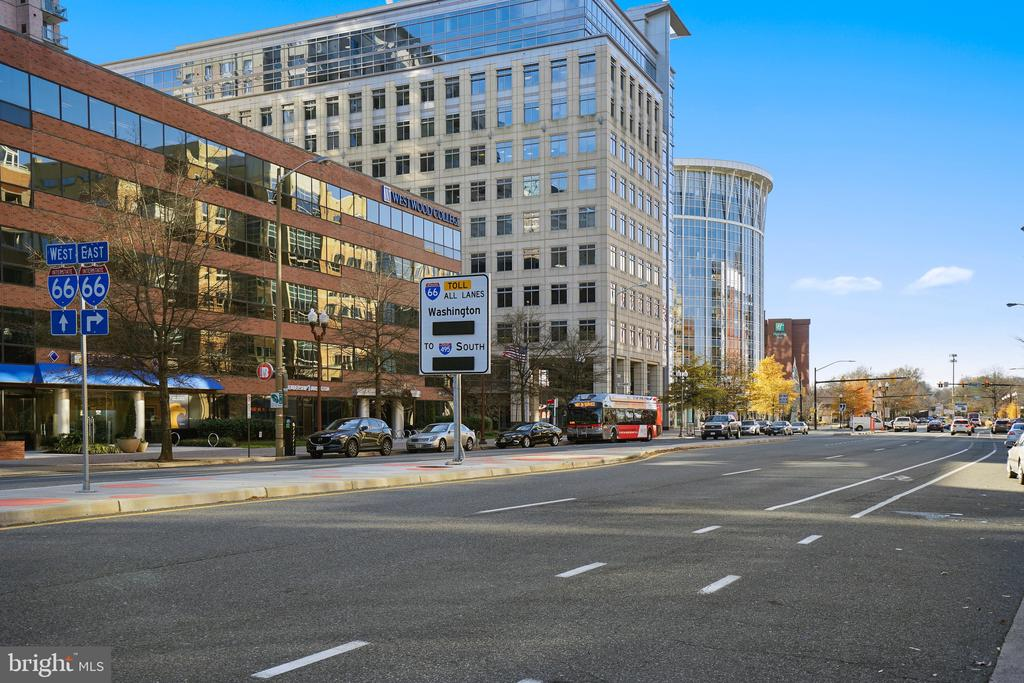 Convenient to I-66 - 1034 N RANDOLPH ST, ARLINGTON