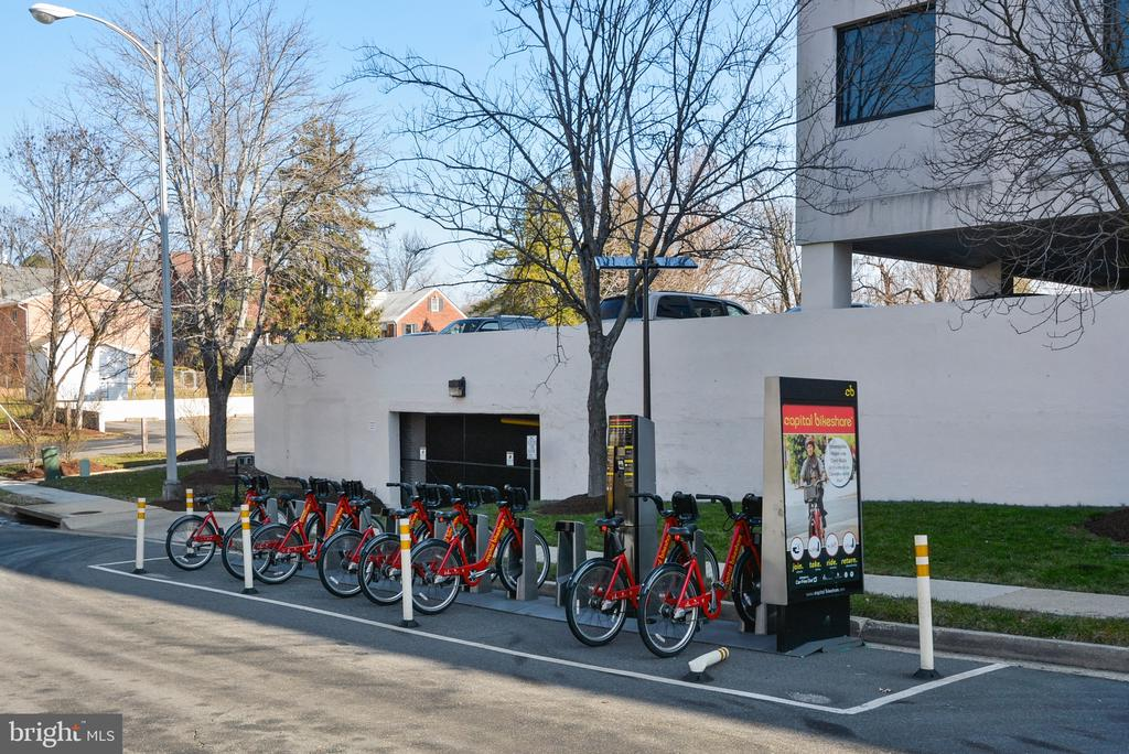 DC Bike Share! - 1034 N RANDOLPH ST, ARLINGTON