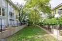 Green space behind townhomes - 40 G ST SW, WASHINGTON