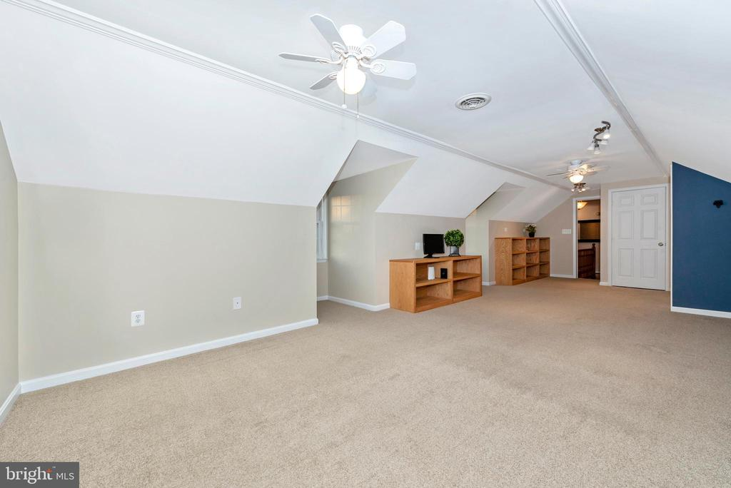 Or upstairs space for extended family stays - 5745 STONEY CREEK CT, FREDERICK
