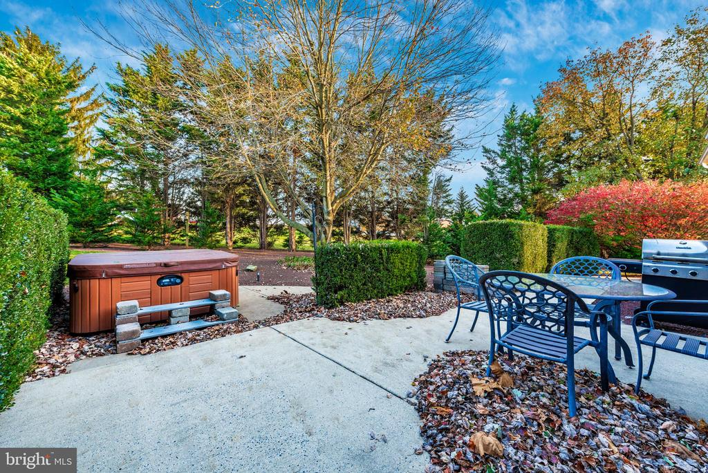 Accessible from the private courtyard - 5745 STONEY CREEK CT, FREDERICK