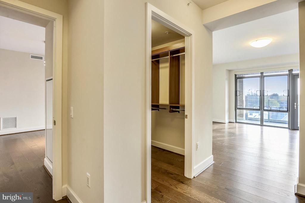 Master Bedroom Suite - 7171 WOODMONT AVE #605, BETHESDA