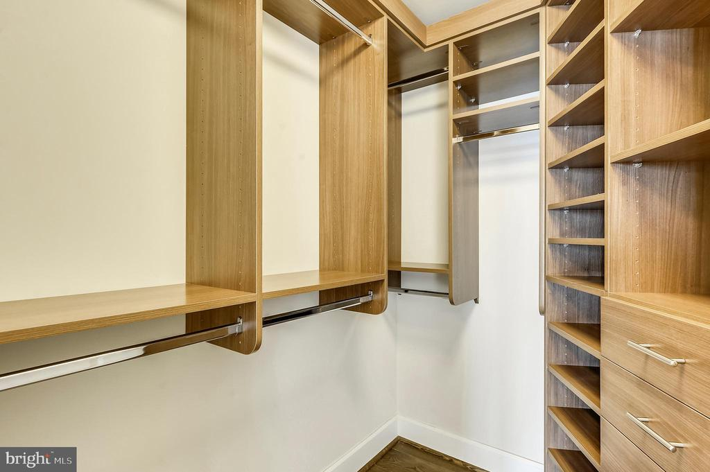 Bedroom #2 - Walk-In Closet - 7171 WOODMONT AVE #605, BETHESDA