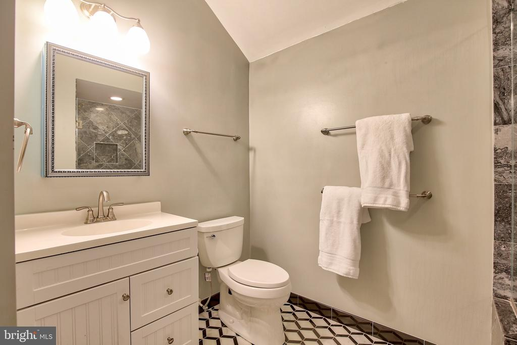 Remodeled baths with 40's inspired hand laid - 608 W MARKET ST, LEESBURG