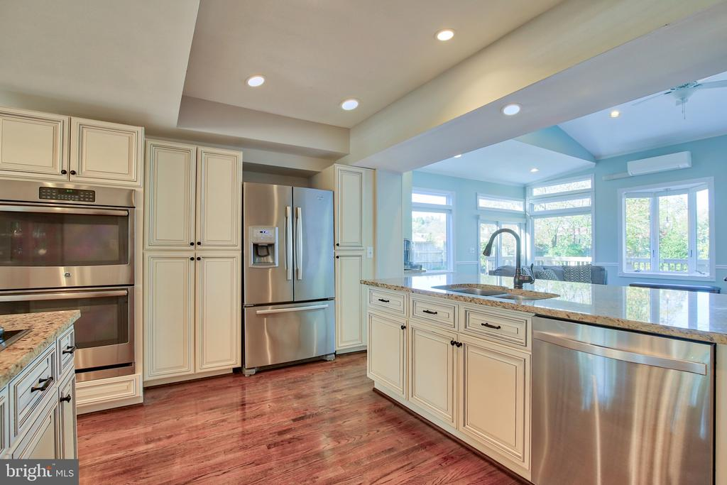 Remodeled kitchen with stainless steel appliances - 608 W MARKET ST, LEESBURG