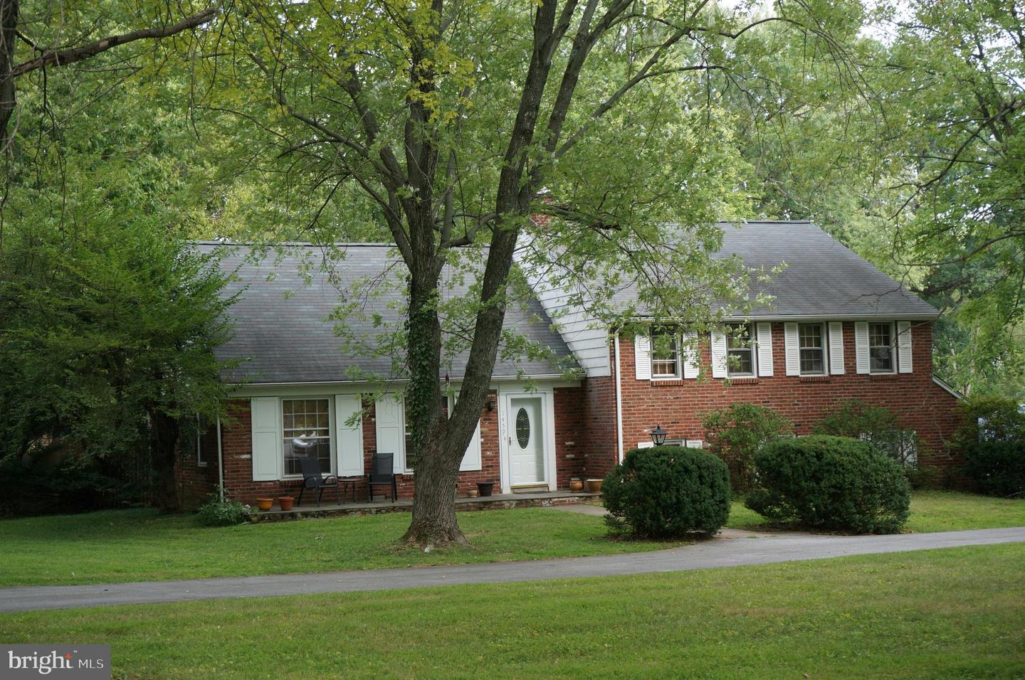 Single Family Homes for Rent at Wayne, Pennsylvania 19087 United States