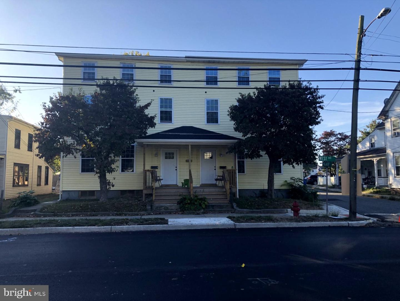 Quadraplex 為 出售 在 Woodstown, 新澤西州 08098 美國
