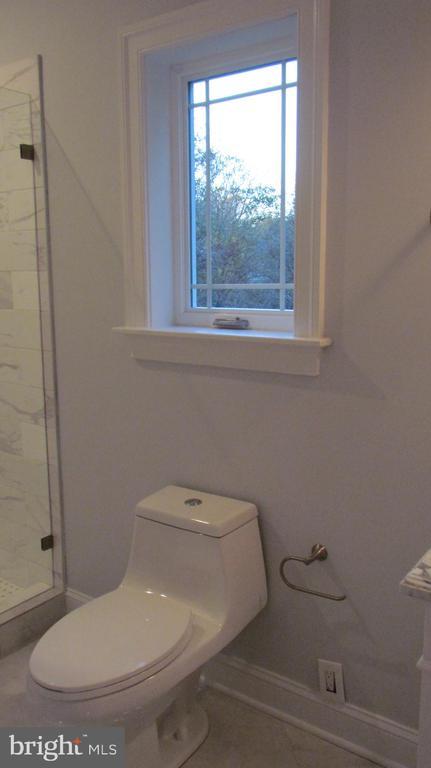 Bathroom 3 - 1103 WALKER CIR SW, VIENNA