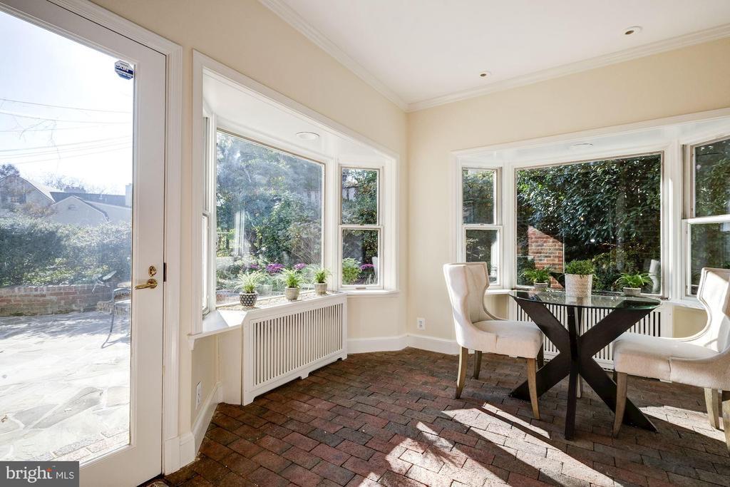 Sunny Breakfast Room opening to Patio - 1804 HOBAN RD NW, WASHINGTON