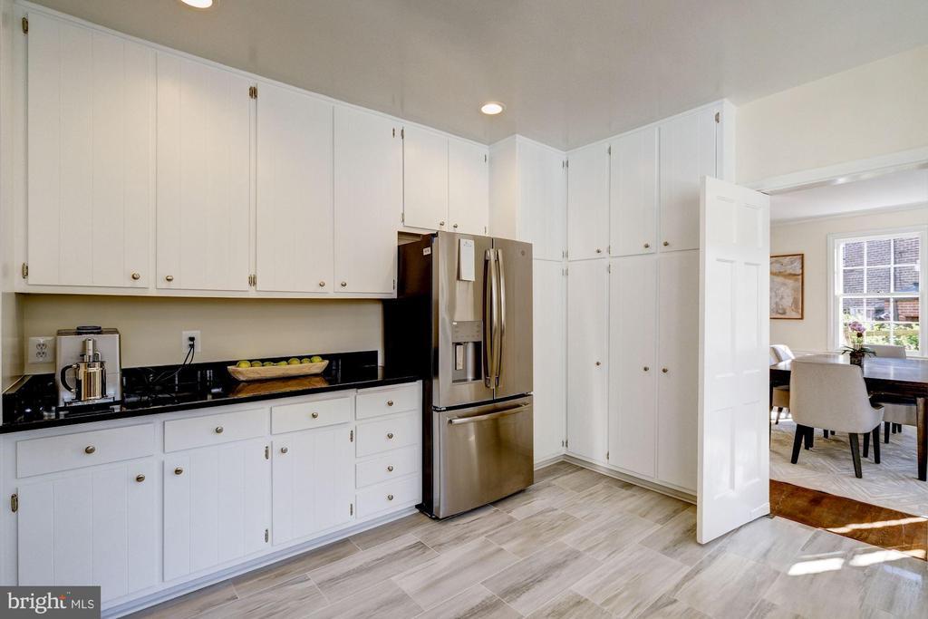 Kitchen - 1804 HOBAN RD NW, WASHINGTON