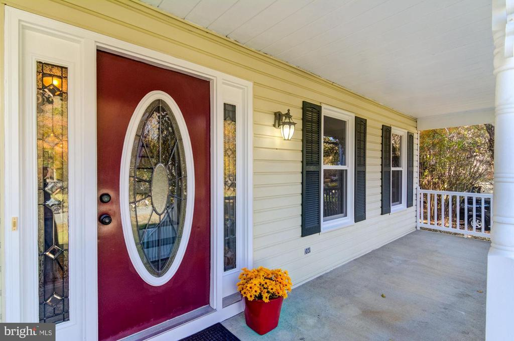 Covered porch with beautiful stained glass door. - 21 KELLY WAY, STAFFORD