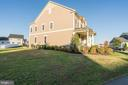 - 23711 HEATHER MEWS DR, ASHBURN