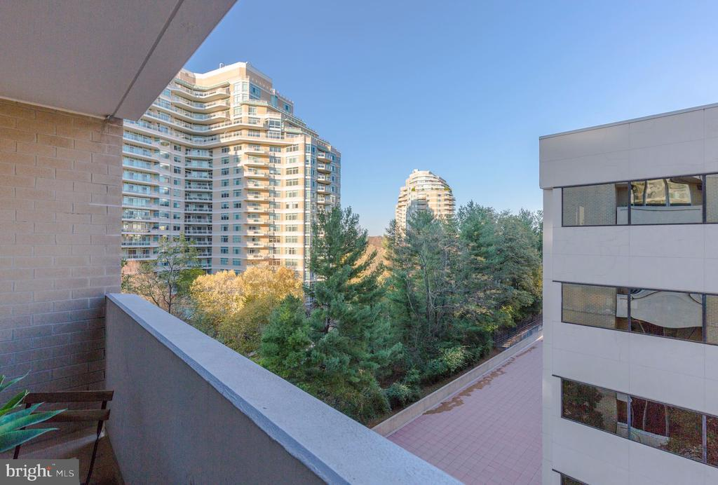 Balcony - 4601 N PARK AVE #715, CHEVY CHASE