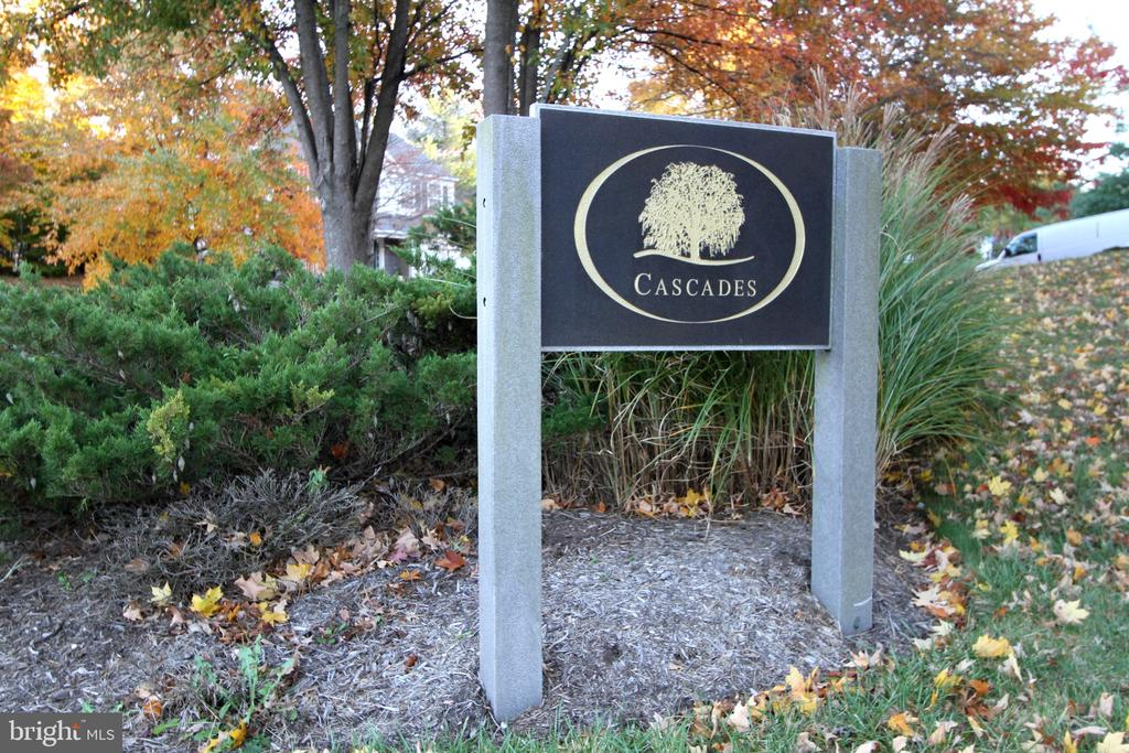 Enjoy all of Cascades Community amenities! - 47125 KENTWELL PL, STERLING