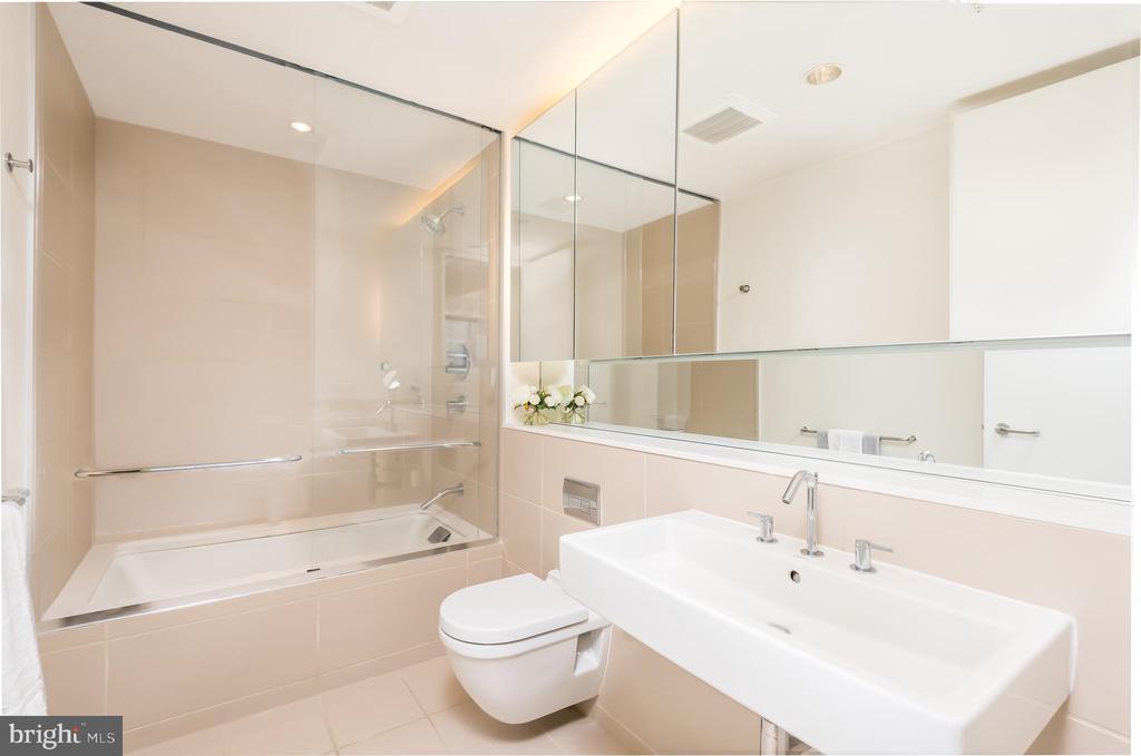 Master Bath - 920 I ST NW #604, WASHINGTON