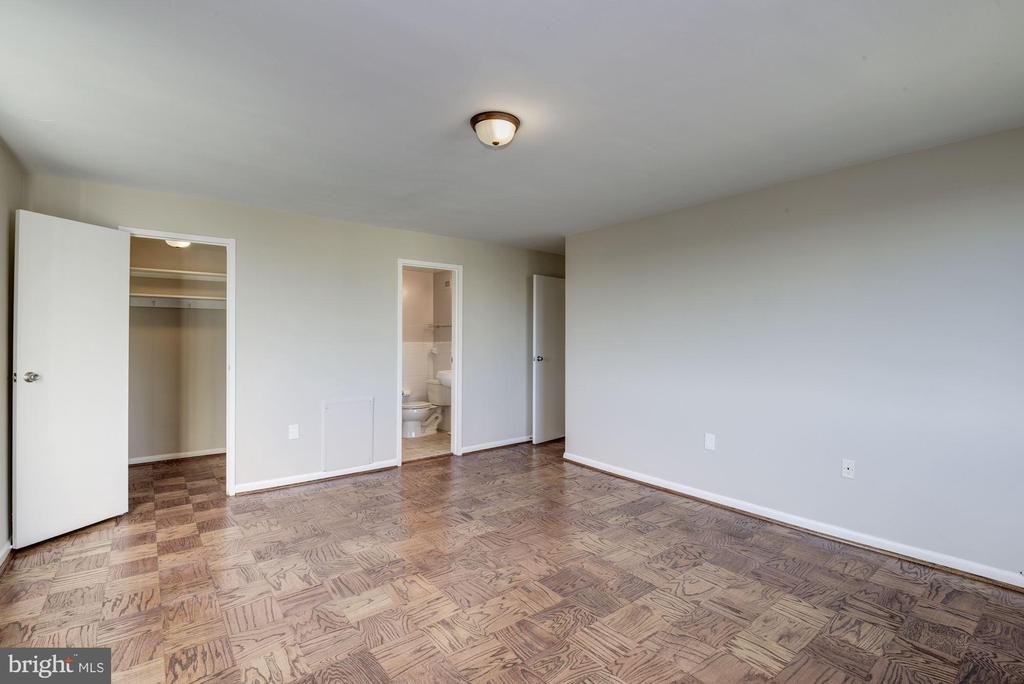 master bedroom - 10201 GROSVENOR PL #1510, ROCKVILLE