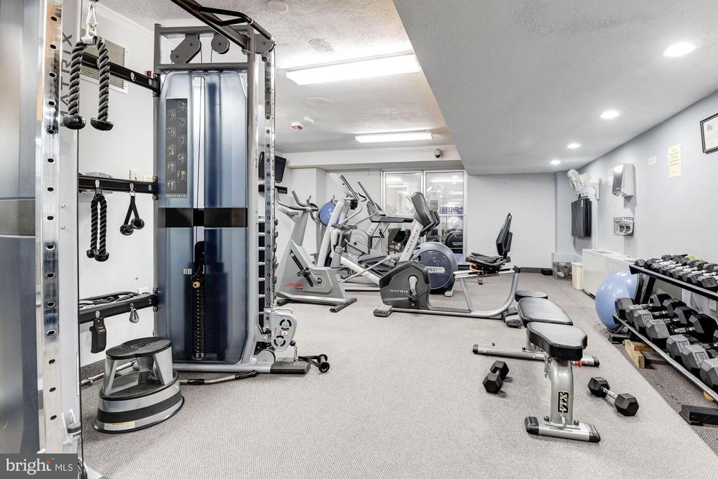 community fitness center - 10201 GROSVENOR PL #1510, ROCKVILLE