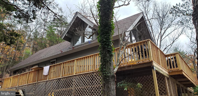 Single Family Homes pour l Vente à Basye, Virginia 22810 États-Unis
