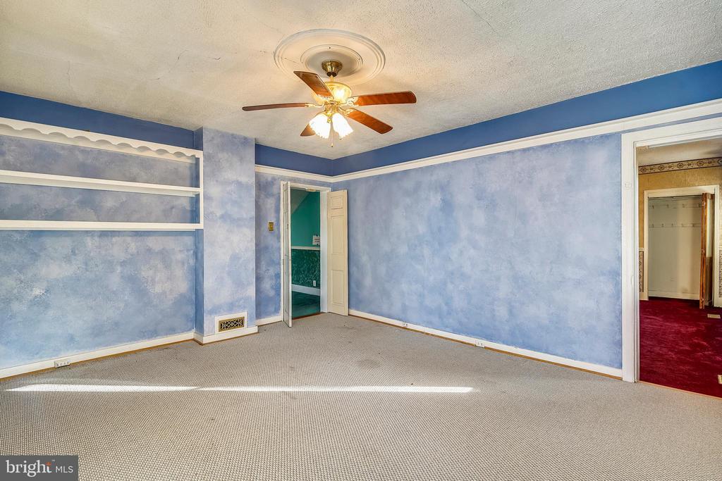Main Level office / Bedroom - 4931-B GREEN VALLEY RD, MONROVIA