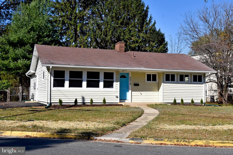 Single Family Homes pour l Vente à Brentwood, Maryland 20722 États-Unis