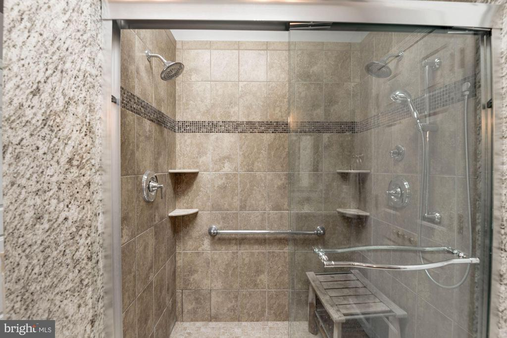 Master Bathroom Shower w/ Dual Heads - 1304 CASSIA ST, HERNDON