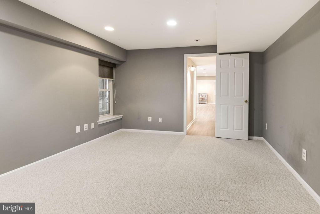 Lower Level Bedroom #5 - 1304 CASSIA ST, HERNDON