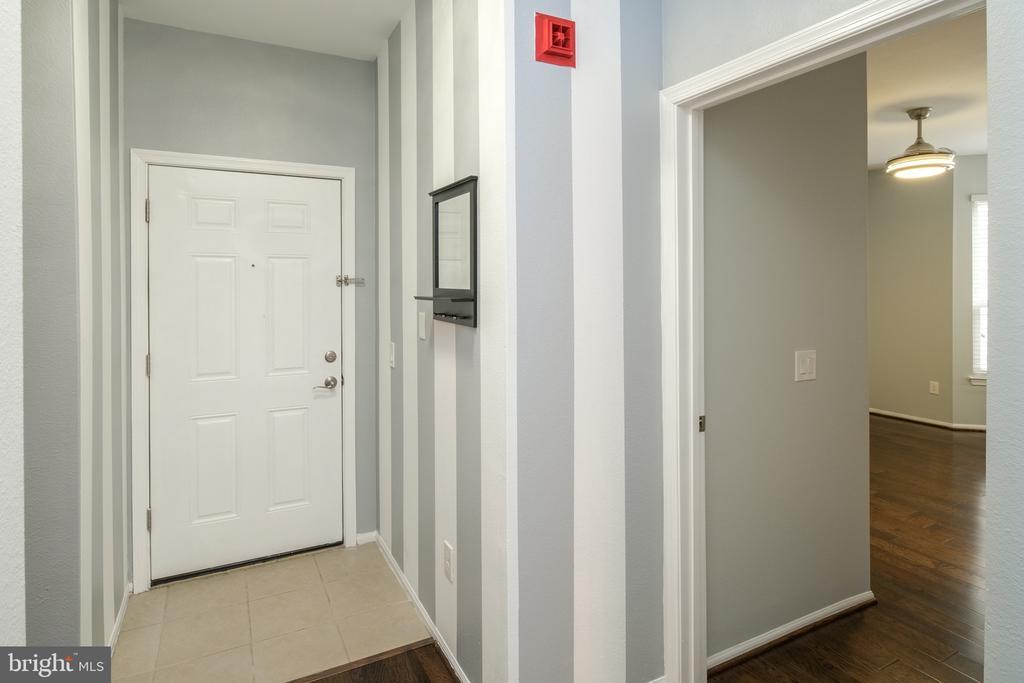 - 1550 SPRING GATE DR #8102, MCLEAN