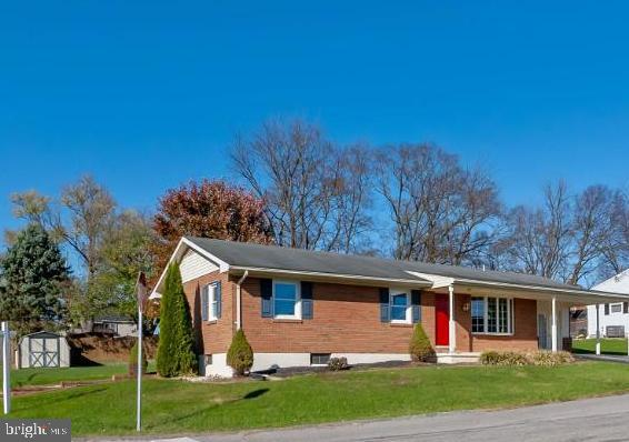 One owner~ loved,  maintained, & updated - 211 YOUNG AVE, BOONSBORO