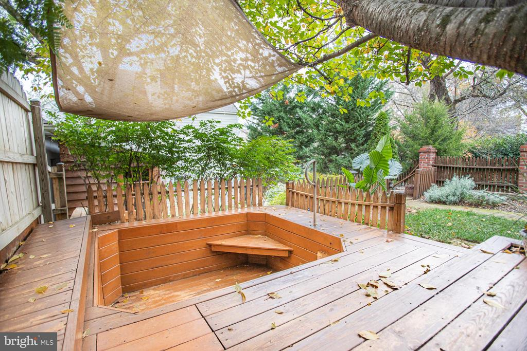 Hot tub hole currently a sitting area! - 232 PRINCESS ANNE ST, FREDERICKSBURG